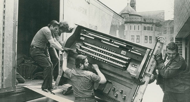 Unloading of the Our Lady of Good Counsel's historic Organ 1975
