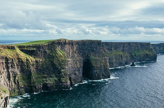 An Evening on the Emerald Isle: An SSND Signature Event. Theme - Irish.