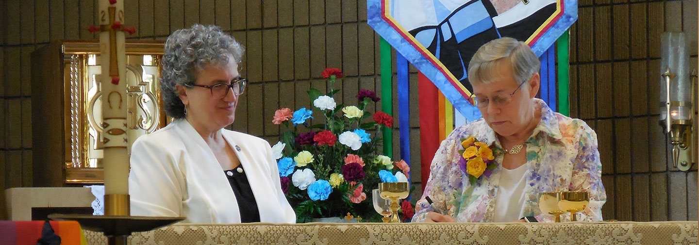 Sister Gail Patrice Graczyk took her final vows as a School Sister of Notre Dame on Saturday, May 8, 2021. She is signing her vow document with Provincial Leader, Sister Debra Sciano as a witness.