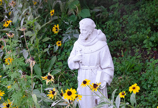 Statue of Francis in the Caroline Garden.